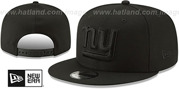 NY Giants TEAM-BASIC BLACKOUT SNAPBACK Hat by New Era