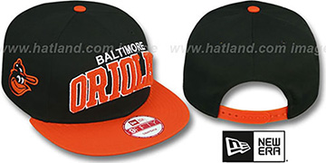 Orioles CHENILLE-ARCH SNAPBACK Black-Orange Hat by New Era