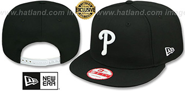 Phillies TEAM-BASIC SNAPBACK Black-White Hat by New Era