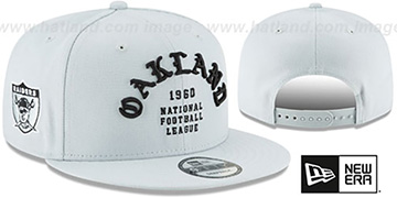 Raiders THROWBACK 'GOTHIC-ARCH SNAPBACK' Grey Hat by New Era