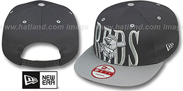 Reds 'STEP-ABOVE SNAPBACK' Charcoal-Grey Hat by New Era