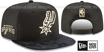 Spurs 2017 NBA ONCOURT SNAPBACK Black-Gold Hat by New Era