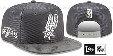 Spurs 2017 NBA ONCOURT SNAPBACK Charcoal Hat by New Era