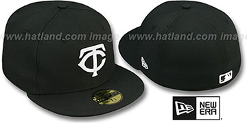 Twins 'TEAM-BASIC' Black-White Fitted Hat by New Era