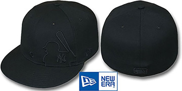 Yankees BLACKOUT MLB SILHOUETTE Fitted Hat by New Era