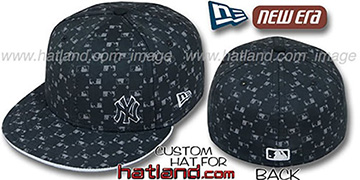 Yankees FLAWLESS MLB FLOCKING Black Fitted Hat by New Era