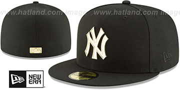 Yankees GOLDEN-BADGE Black Fitted Hat by New Era