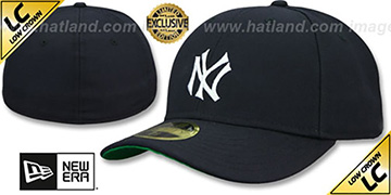 Yankees LOW-CROWN 1910 COOPERSTOWN Fitted Hat by New Era