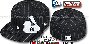 Yankees 'MLB SILHOUETTE PINSTRIPE' Black-White Fitted Hat by New Era