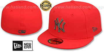 Yankees MLB TEAM-BASIC Fire Red-Charcoal Fitted Hat by New Era