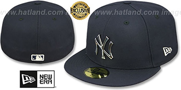 Yankees SILVER METAL-BADGE Navy Fitted Hat by New Era