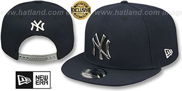 Yankees SILVER METAL-BADGE SNAPBACK Navy Hat by New Era