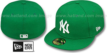 Yankees 'St Patricks Day 2' Green-White Fitted Hat by New Era