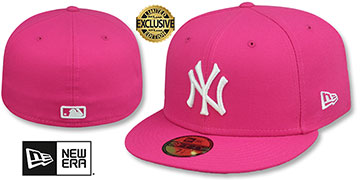 Yankees TEAM-BASIC Beetroot-White Fitted Hat by New Era