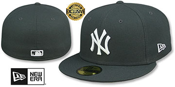 Yankees TEAM-BASIC Charcoal-White Fitted Hat by New Era