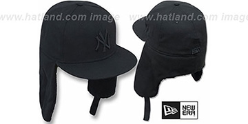 Yankees 'TEAM-BASIC DOGEAR' BLACKOUT Fitted Hat by New Era