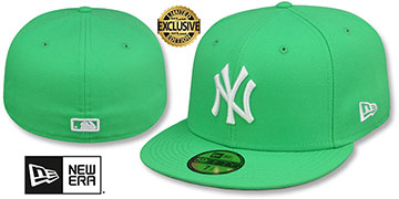 Yankees TEAM-BASIC Island Green-White Fitted Hat by New Era