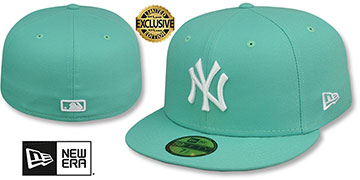 Yankees TEAM-BASIC Mint-White Fitted Hat by New Era