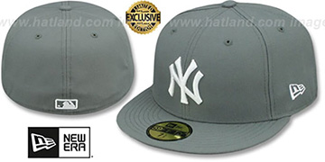 Yankees TEAM-BASIC Storm Grey-White Fitted Hat by New Era