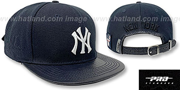 Yankees TEAM-BASIC STRAPBACK Navy Hat by Pro Standard