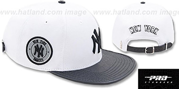 Yankees TEAM-BASIC STRAPBACK White-Navy Hat by Pro Standard