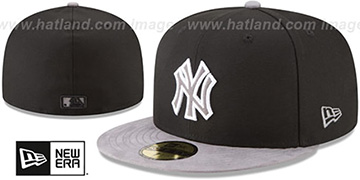 Yankees TONAL-CHOICE Black Fitted Hat by New Era