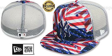 Yankees USA WAVING-FLAG MESH-BACK Fitted Hat by New Era