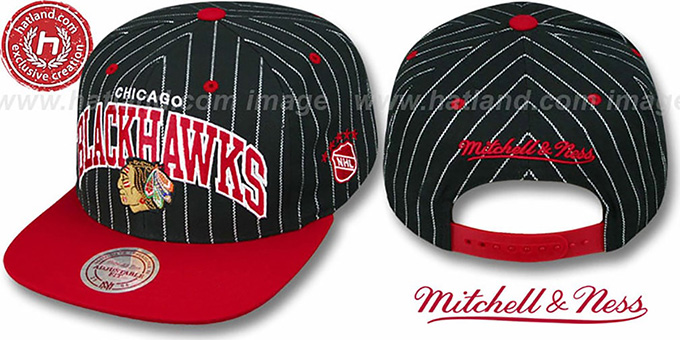 Blackhawks 'PINSTRIPE 2T TEAM ARCH SNAPBACK' Black-Red Hat by Mitchell & Ness : pictured without stickers that these products are shipped with