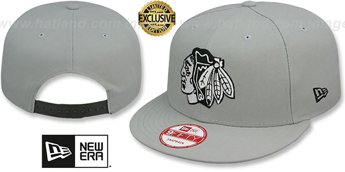 Blackhawks 'TEAM-BASIC SNAPBACK' Grey-Black Hat by New Era : pictured without stickers that these products are shipped with