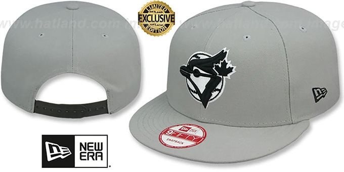 Blue Jays COOP 'TEAM-BASIC SNAPBACK' Grey-Black Hat by New Era : pictured without stickers that these products are shipped with