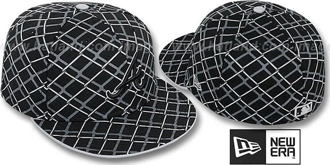 Braves 'CHAIN-LINK' Black Fitted Hat by New Era : pictured without stickers that these products are shipped with