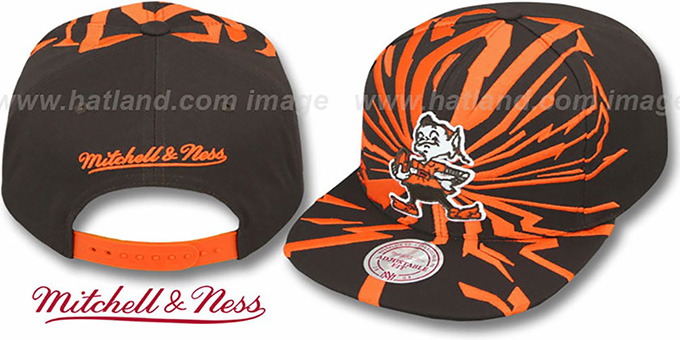 Browns 'EARTHQUAKE SNAPBACK' Brown Hat by Mitchell & Ness : pictured without stickers that these products are shipped with
