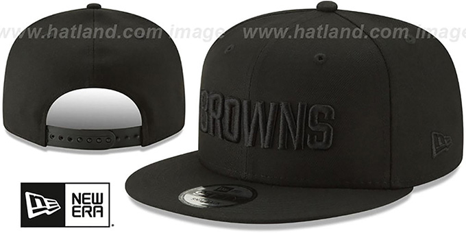 Browns 'TEAM-BASIC BLACKOUT SNAPBACK' Hat by New Era