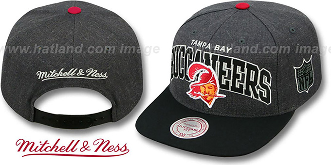 Buccaneers '2T TEAM-ARCH SNAPBACK' Black-Grey Hat by Mitchell and Ness