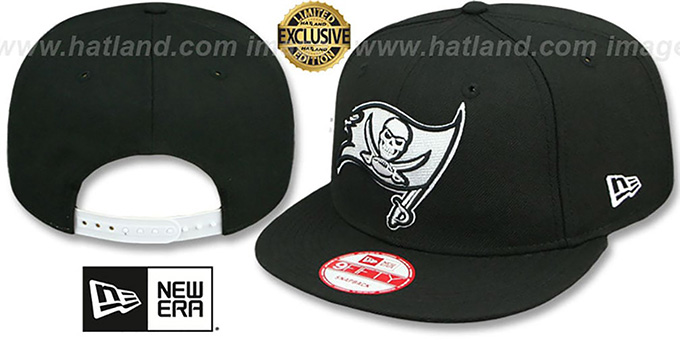 Buccaneers 'TEAM-BASIC SNAPBACK' Black-White Hat by New Era : pictured without stickers that these products are shipped with