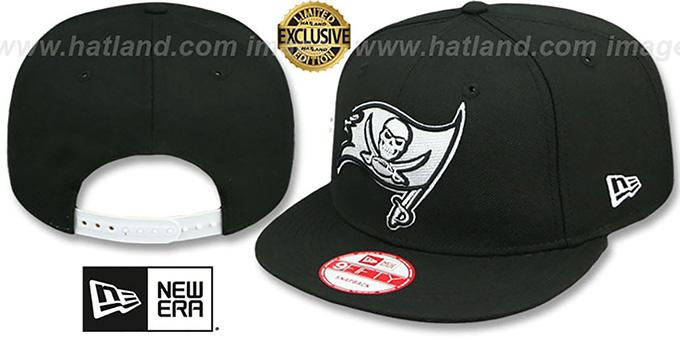 Buccaneers  TEAM-BASIC SNAPBACK  Black-White Hat by New Era 7367cbe4566