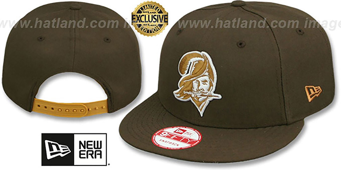 Buccaneers 'THROWBACK TEAM-BASIC SNAPBACK' Brown-Wheat Hat by New Era : pictured without stickers that these products are shipped with