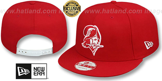 Buccaneers 'THROWBACK TEAM-BASIC SNAPBACK' Red-White Hat by New Era : pictured without stickers that these products are shipped with