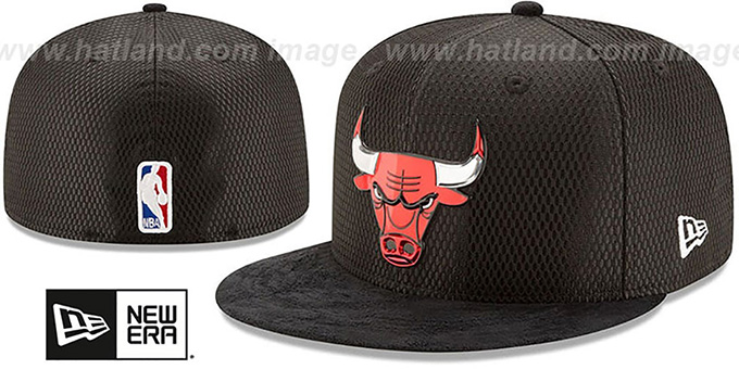 8175c2f08a9 Chicago Bulls 2017 ONCOURT DRAFT Black Fitted Hat by New Era
