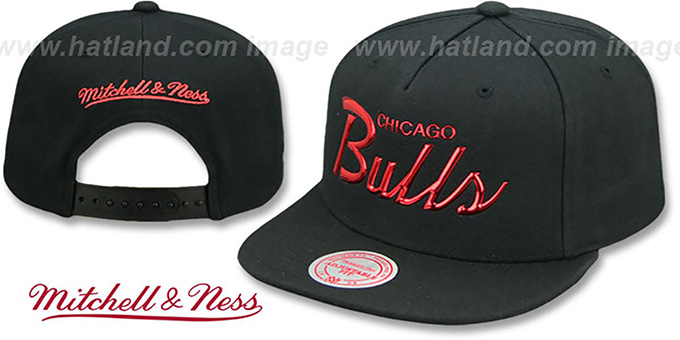 92592855707 Bulls  LIQUID METALLIC SCRIPT SNAPBACK  Black-Red Hat by Mitchell and Ness