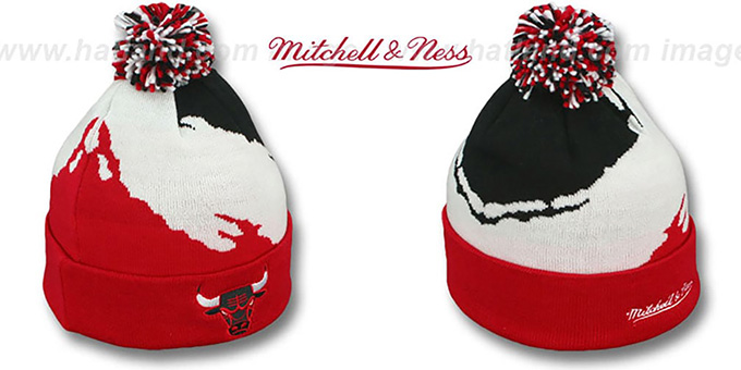 Bulls 'PAINTBRUSH BEANIE' by Mitchell and Ness : pictured without stickers that these products are shipped with