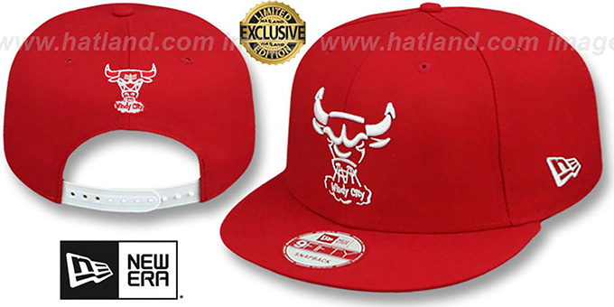Bulls 'TEAM-BASIC TRACE SNAPBACK' Red-White Hat by New Era : pictured without stickers that these products are shipped with
