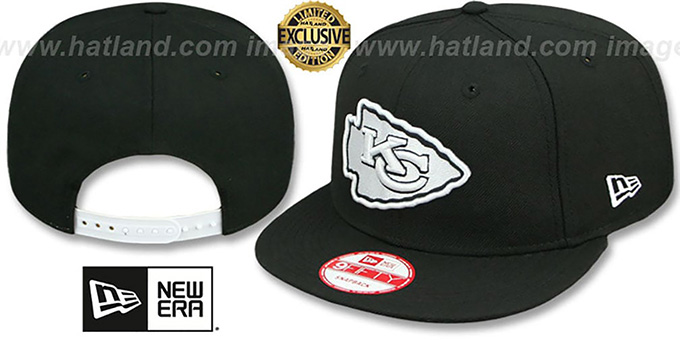 Chiefs 'TEAM-BASIC SNAPBACK' Black-White Hat by New Era : pictured without stickers that these products are shipped with