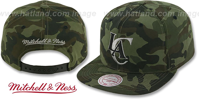 Clippers 'METAL-CAMO SNAPBACK' Hat by Mitchell & Ness : pictured without stickers that these products are shipped with