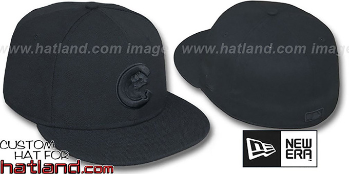 Cubs ALT 'BLACKOUT' Fitted Hat by New Era : pictured without stickers that these products are shipped with