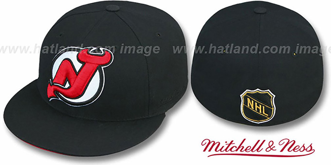 Devils 'XL-LOGO' Black Fitted Hat by Mitchell & Ness : pictured without stickers that these products are shipped with