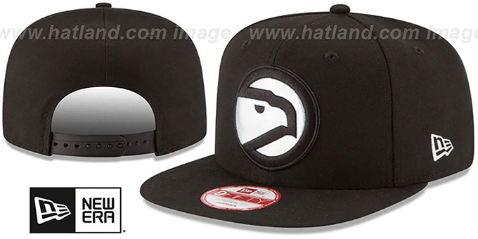 Hawks 'FOIL LOGO SNAPBACK' Black Hat by New Era : pictured without stickers that these products are shipped with