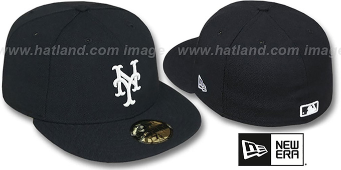 Mets 'TEAM-BASIC' Black-White Fitted Hat by New Era : pictured without stickers that these products are shipped with