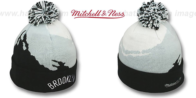 Nets 'PAINTBRUSH BEANIE' by Mitchell and Ness : pictured without stickers that these products are shipped with