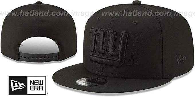 3c4d0e55 New York NY Giants TEAM-BASIC BLACKOUT SNAPBACK Hat by New Era